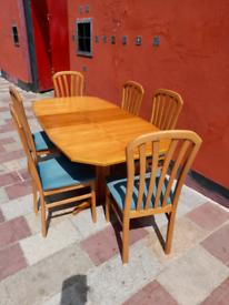 Mid-Centuary Dining Table and 6 chairs
