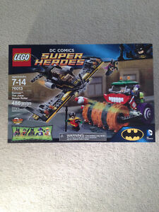 Lego DC Super Heroes 76013 Batman The Joker Steam Roller BNIB