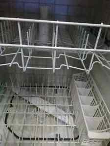Lave-vaisselle 80$  vendu merci. Saguenay Saguenay-Lac-Saint-Jean image 3