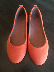 Size 7 Orange Le Chateau Ballet Flats Never Been Worn