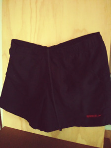 "SPEEDO Men's Black Deck Volley 16"" SWIM TRUNKS: Size L (36-38"")"