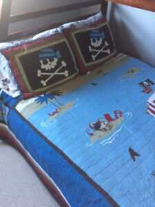 Size double pirate bedding decals and a small toy chest.