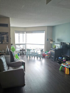 1200sqft/ step to union station with lakeview 2 bdr