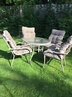 Patio Table & 4 Chairs with Cushions
