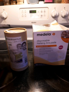 breast pump and pads