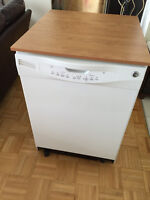 GE Portable Dishwasher With Countertop $150