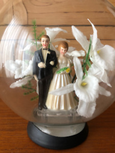 Charming Vintage Wedding Cake Topper 1950s Rosarium Glass Globe