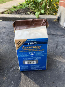 TEC 930 Natural Gray AccuColor Premium Sanded Grout