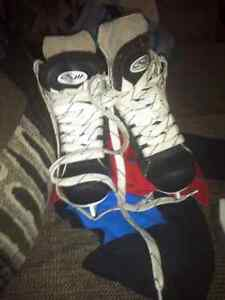Ice skate suze 8 and 11 kids 10$ a pair  Kitchener / Waterloo Kitchener Area image 5