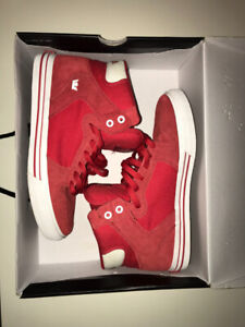 Used Red Men's Size 9 Supra High Top Skate Shoes (lightly worn)