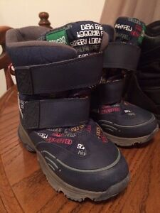 Toddler size 10 cougar winter boots