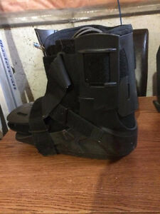 Medical Ankle Boot with Air Pump Cambridge Kitchener Area image 2