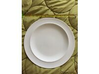 White by Denby large dinner plates 32 cm diameter