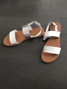 New Women Sandals Size 10 London Ontario image 2