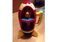 Peppa pig rocket with sounds. £2