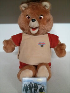 1985 Teddy Ruxpin Cassette player and sound still works