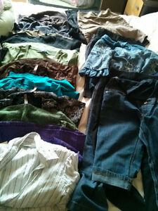 Gros lot de vêtements de grossesse