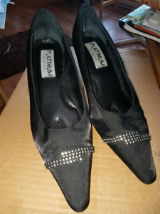 Ladies size 10 wide high heel dress shoes.