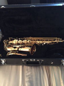 Saxophone (Mint Condition), Sax Alto Jupiter 565GL