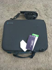 """13"""" Targus Laptop Case BRAND NEW"""