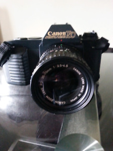Canon T50 SLR Camera 35mm With Canon FD 35-70mm f / 3.5-4.5 Lens
