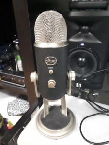 Almost New Blue Yeti Pro studio USB condenser mic