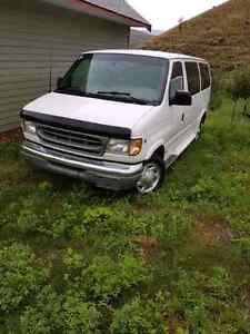 2000 Ford E350 12 Passenger Van