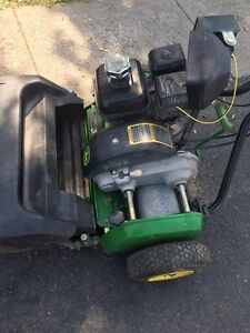 JOHN DEERE 220C green mower West Island Greater Montréal image 6