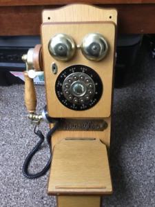 Vintage and Antique Style wooden Telephone - Works brilliant !