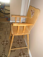 Wooden high chair 10$