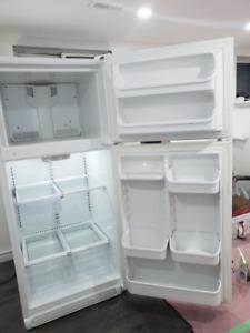 Kenmore 60412 18 cu. ft. Top-Freezer Refrigerator in White