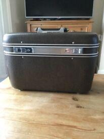 Vintage 1960s vanity case & key, never used!