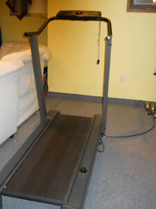 Treadmill by Lifestyle Step incline, pragramable  speed,