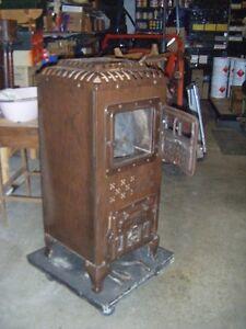 Poêle à bois antique Mc Clary Furnacette no. 17