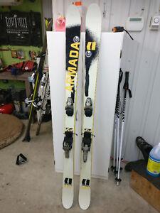 Ski TwinTip Freestyle Armada ARV 175cm