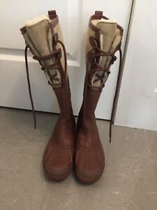 UGG Belcloud boots size 8 Kitchener / Waterloo Kitchener Area image 1
