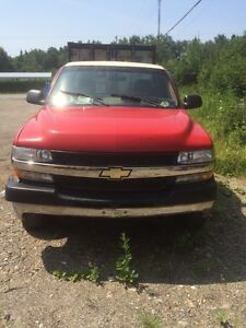 2002 Chevy Silverado 2500HD for parts