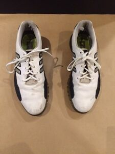 Gently Worn! Adidas Golf Shoes Traxion, Size 10