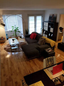 Condo à louer 2 chambres/ 2 bedrooms for rent