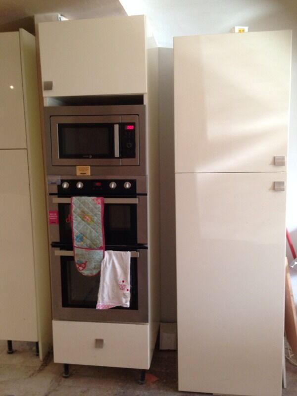 Cream Gloss Kitchen Units For Sale In Cheadle Hulme Manchester Gumtree