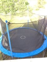 12' trampoline with net