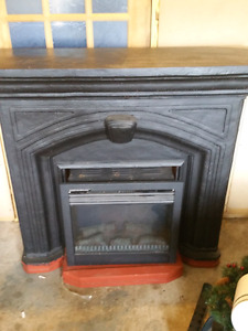 Electronic fireplace and mantal