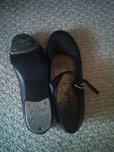 Tap Shoes - size 6