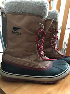 Sorrels for sale! Worn one month , new insoles