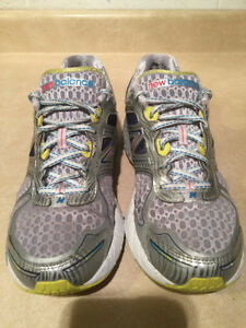 Women's New Balance 860 V4 Abzorb Running Shoes Size 11 London Ontario image 4