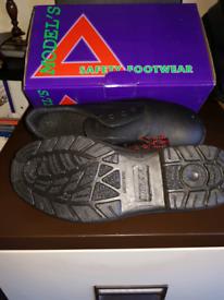 MODEL'S Black Safety Shoe UK Size 7