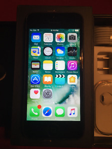 Great Condition Black iPhone 5 - 64gb - Unlocked  W/ Accessories