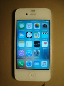 iPhone 4s 16 GB in good condition