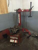 Machine  à Tire Rim Clamp 5040 DE (Aussi machine a allignement)