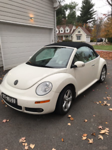 2007 Volkswagen New Beetle Triple White Coupe (2 door)